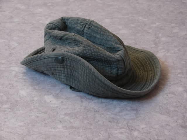 Le chapeau de broussse français Ilyt0m