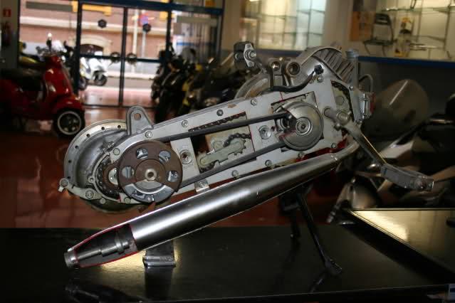 Motor Vespino seccionado Kakxw3