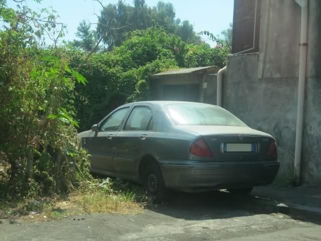 Auto Abbandonate Qp48lj