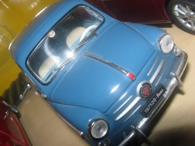 Il mini garage di Enea 23kajj5