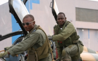 Armée Nigériane / Nigerian Armed Forces 24q0hm9