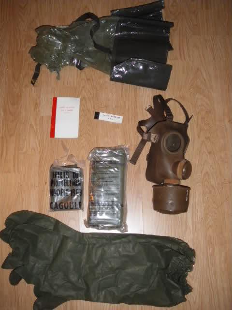 Les tenues et équipements de l'Armée Française 28gsgo7