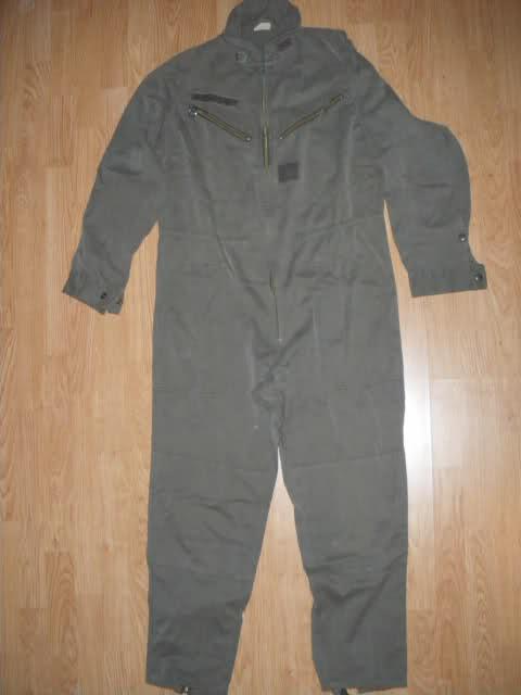 Les tenues et équipements de l'Armée Française 2po9suf