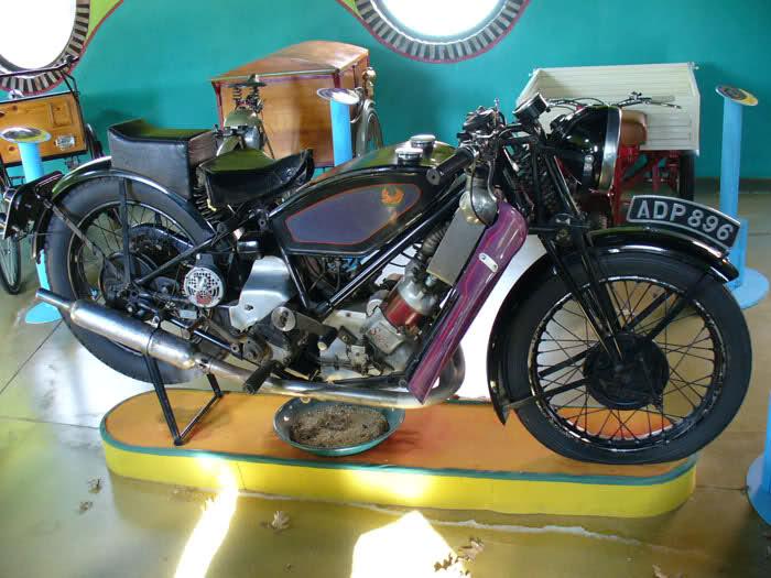 MUSEO DE LA MOTO CLASICA DE HERVAS.(Mas Fotos) 2w6zac6
