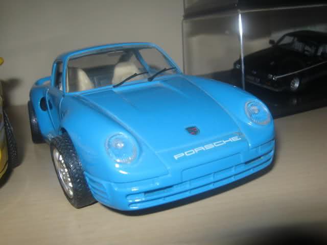 Il mini garage di Enea 2zzl0ci