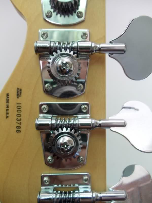 Ajuda com Serial Fender Ojmrtu