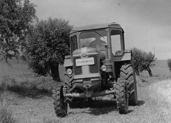 Tractores en fotos de época.  W071py