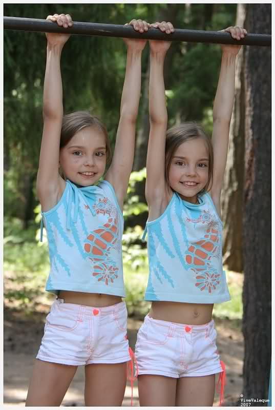 les jumelles Averina 1zzow2a