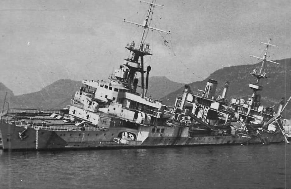 Le sabordage de la Flotte à Toulon (83) 27/11/1942 - Page 9 2448exd