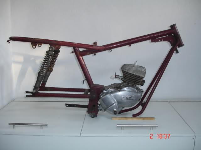 Réplica Ducati 50 de circuito 28tfktt