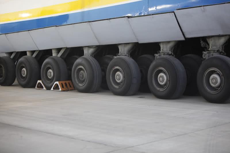 Avions de transport tactique/lourd 2cfuu8m
