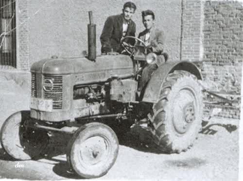 Tractores en fotos de época.  51viip