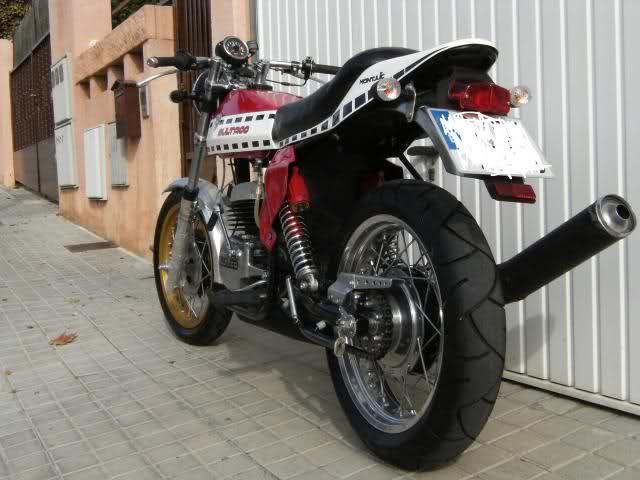 Sobre la Metralla 400 de Solo Moto  Awz08w