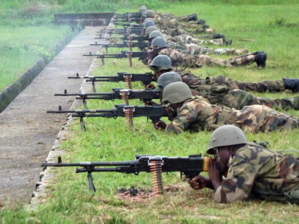 Armée Nigériane / Nigerian Armed Forces Idyu7m