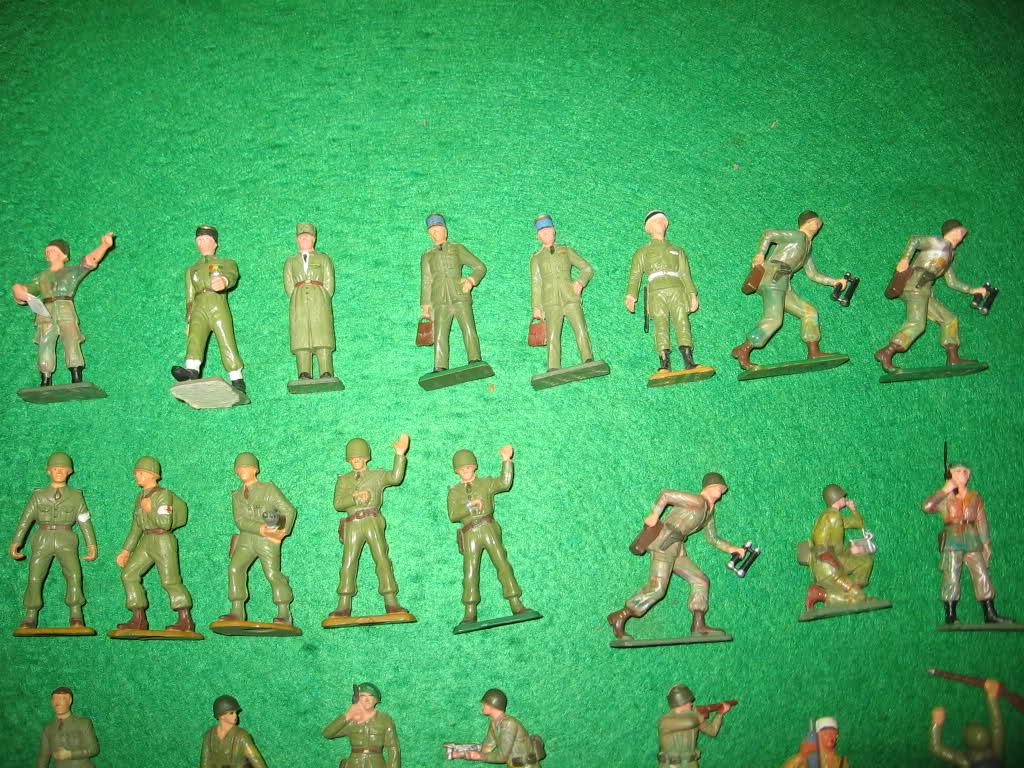 Les figurines anciennes, leurs accessoires et leurs décors. 118oj00
