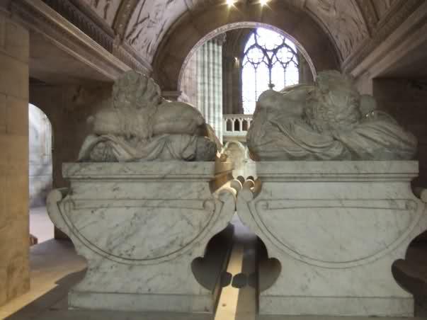 Le tombeau de François I° et de Claude de France 166hxch