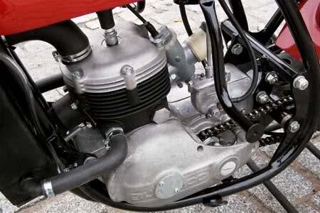 Bultaco TSS 125 en un pajar olvidada.. 20h4x7r