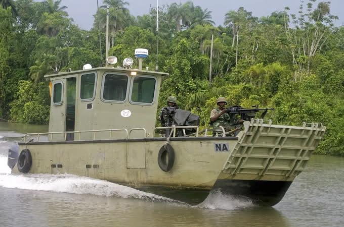 Armée Nigériane / Nigerian Armed Forces 33nc6qo