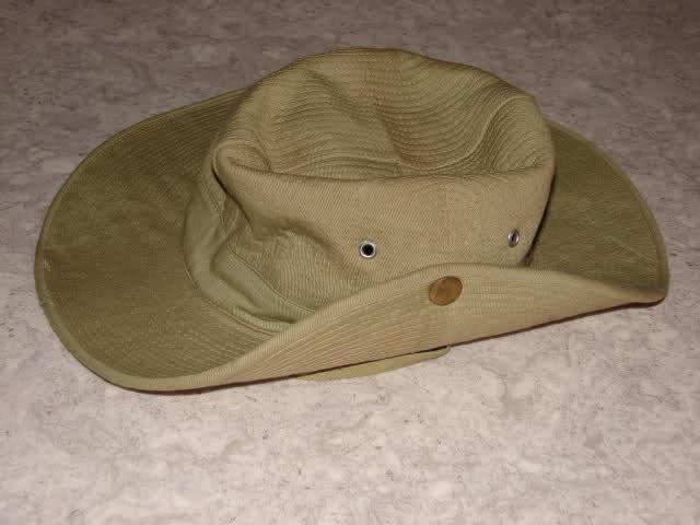 Le chapeau de broussse français Dnemxe