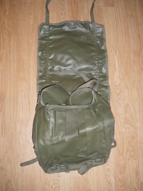 Les tenues et équipements de l'Armée Française 10omk2t