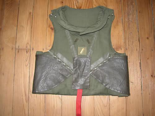 Les tenues et équipements de l'Armée Française 123r0iw