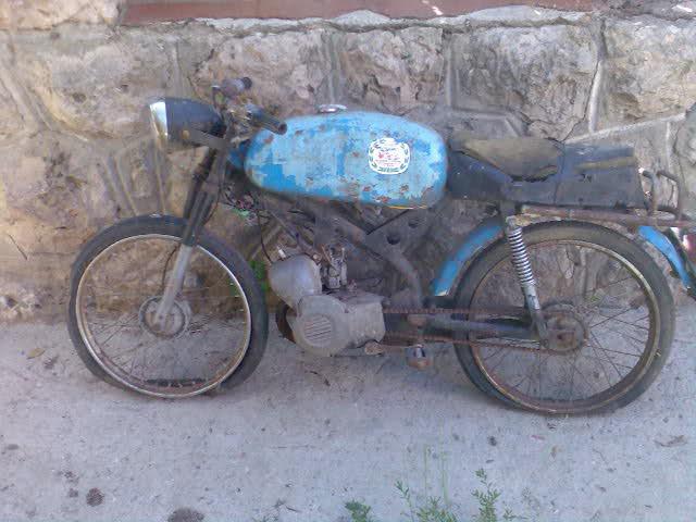 Ayuda identificar ciclomotor ¿Ducati? 25txkqf