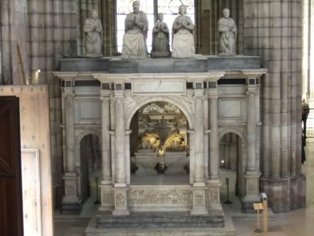Le tombeau de François I° et de Claude de France 291dy6q
