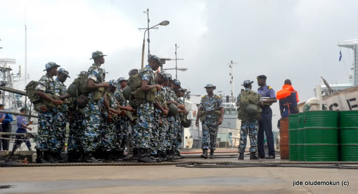 Armée Nigériane / Nigerian Armed Forces 2a4s2mw