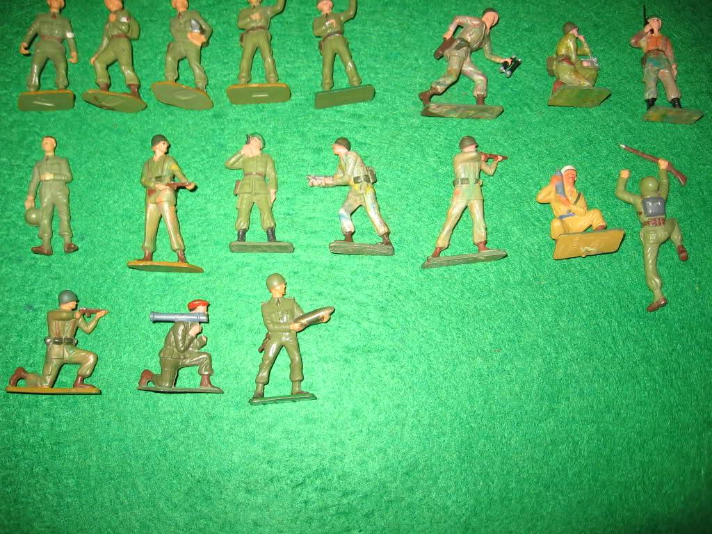 Les figurines anciennes, leurs accessoires et leurs décors. 2enm54x