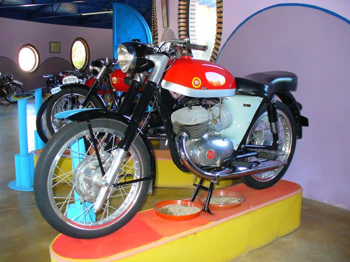 MUSEO DE LA MOTO CLASICA DE HERVAS.(Mas Fotos) 2ijm6pw