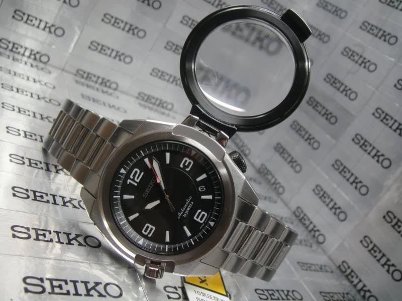 Seiko Diver 200 LA plongeuse! 2lc7i44