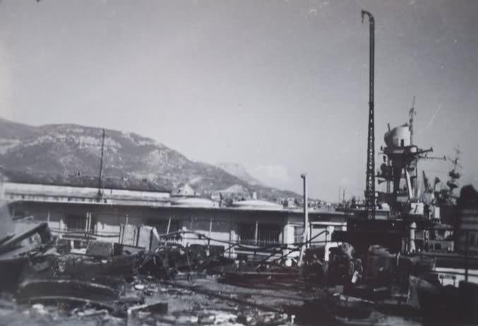 Le sabordage de la Flotte à Toulon (83) 27/11/1942 - Page 9 110zn8z