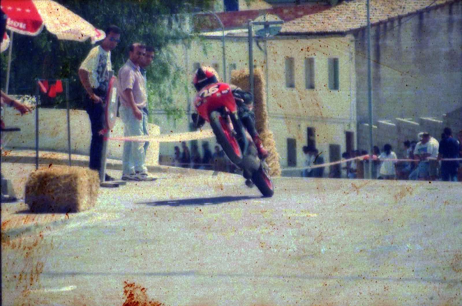 Aquellas amoticos de carreras - Página 4 312e4us