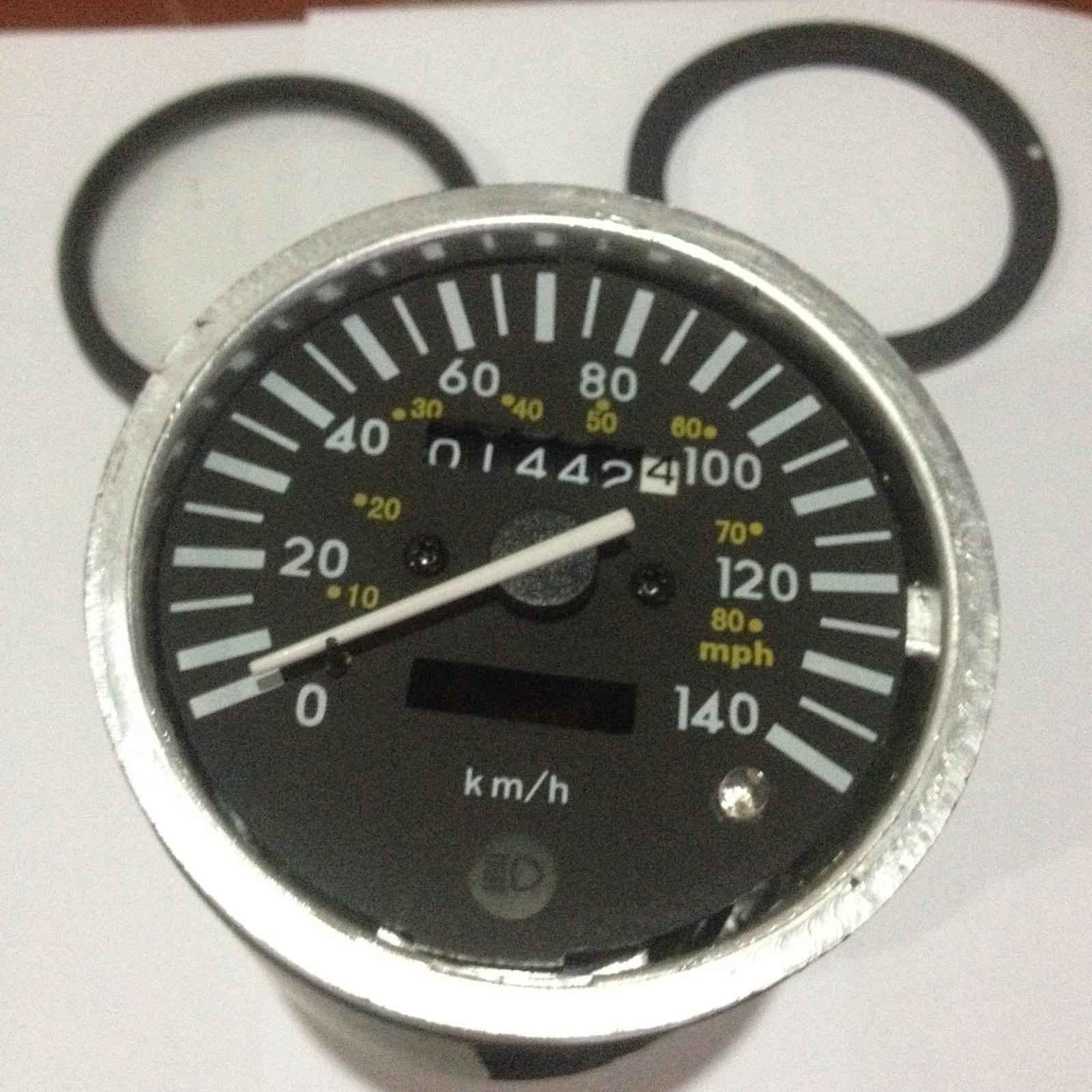 Conoce tu odometro y velocimetro, ademas de por que la luz del neutro no se ve en el dia. 119nuo1