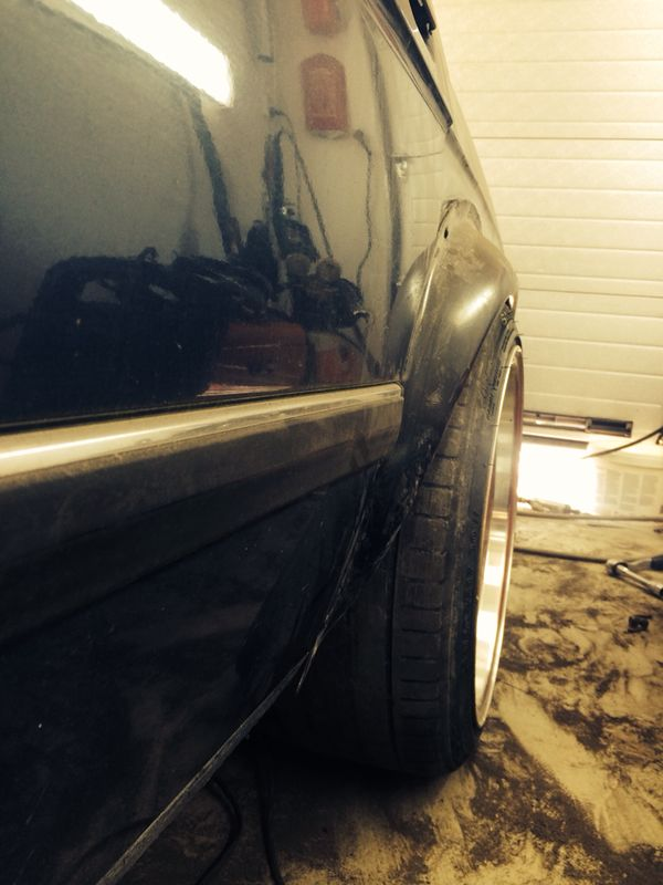 Börre: Bmw e28 Rebuilding // KalsongBlå Saab 21d0e8y