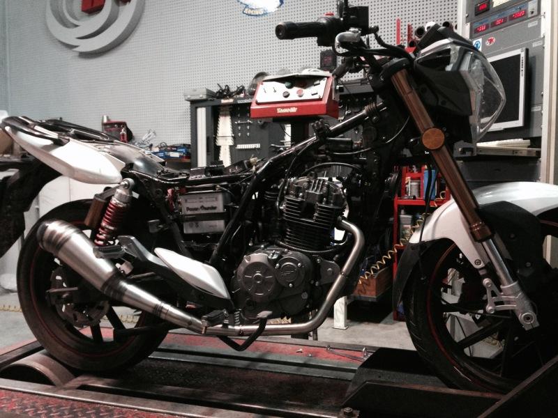ESCAPES Turbo Kit RKV 125 , fotos de los prototipos ¿ con cual te quedas ?  2dalst0
