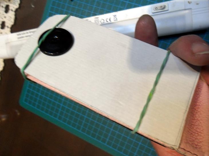 Como fabricar una barata super-lupa con el teléfono móvil. 2nqfvoy