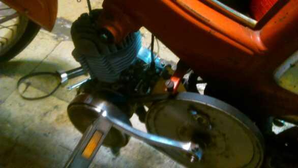 Reparación para restauración en Mobylette AV-88 (Rodamientos, retenes, cilindro...) 33kf89d