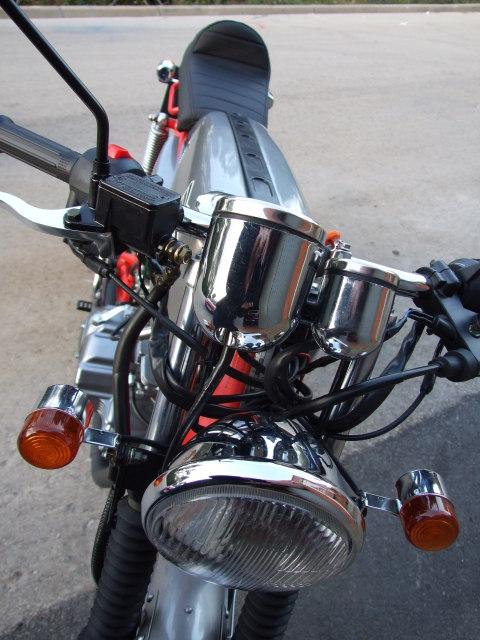 La réplica de la Honda Dream  Dg52si