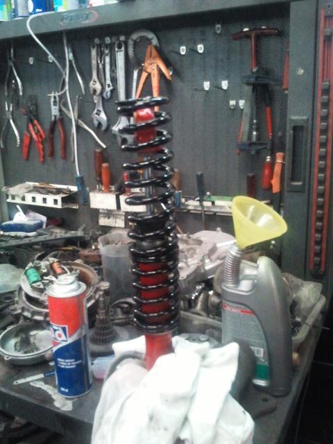 Reparación de amortiguadores Fcl1j