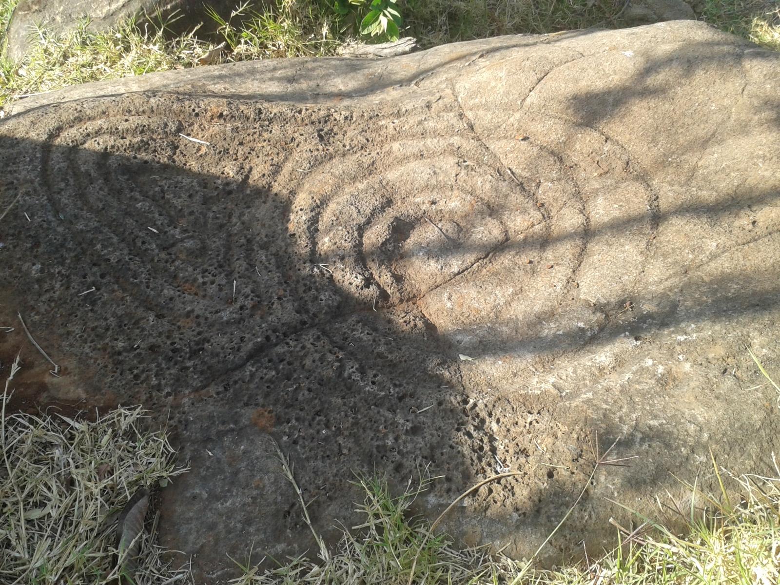 Piedra con espirales J8fjte