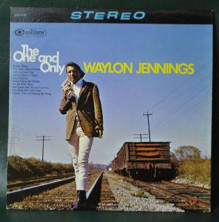 Waylon Jennings - Discography (119 Albums = 140 CD's) O73nk1