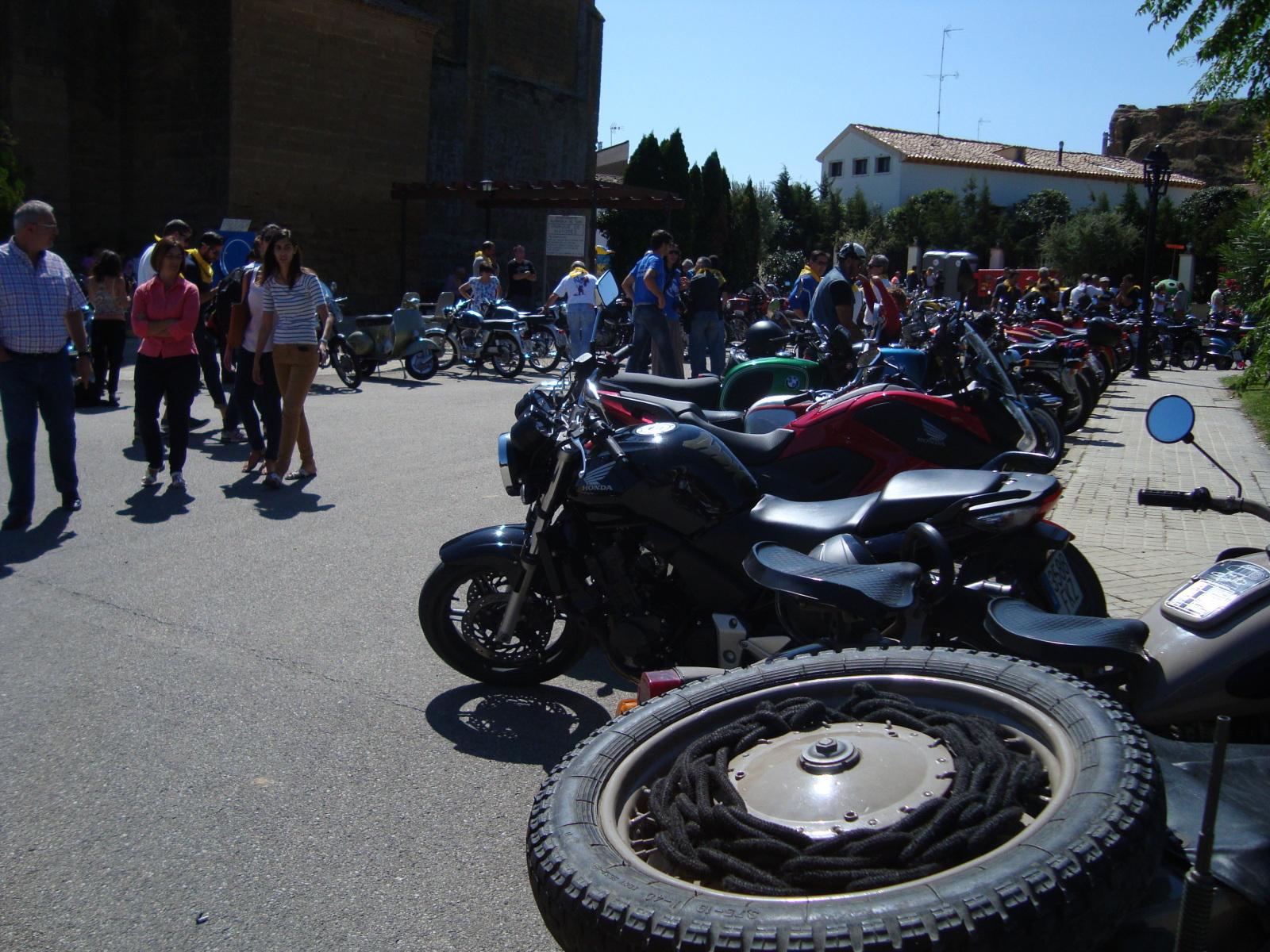 XI concentracion de motos antiguas en Alberuela de tubo (Huesca) Qnutr9