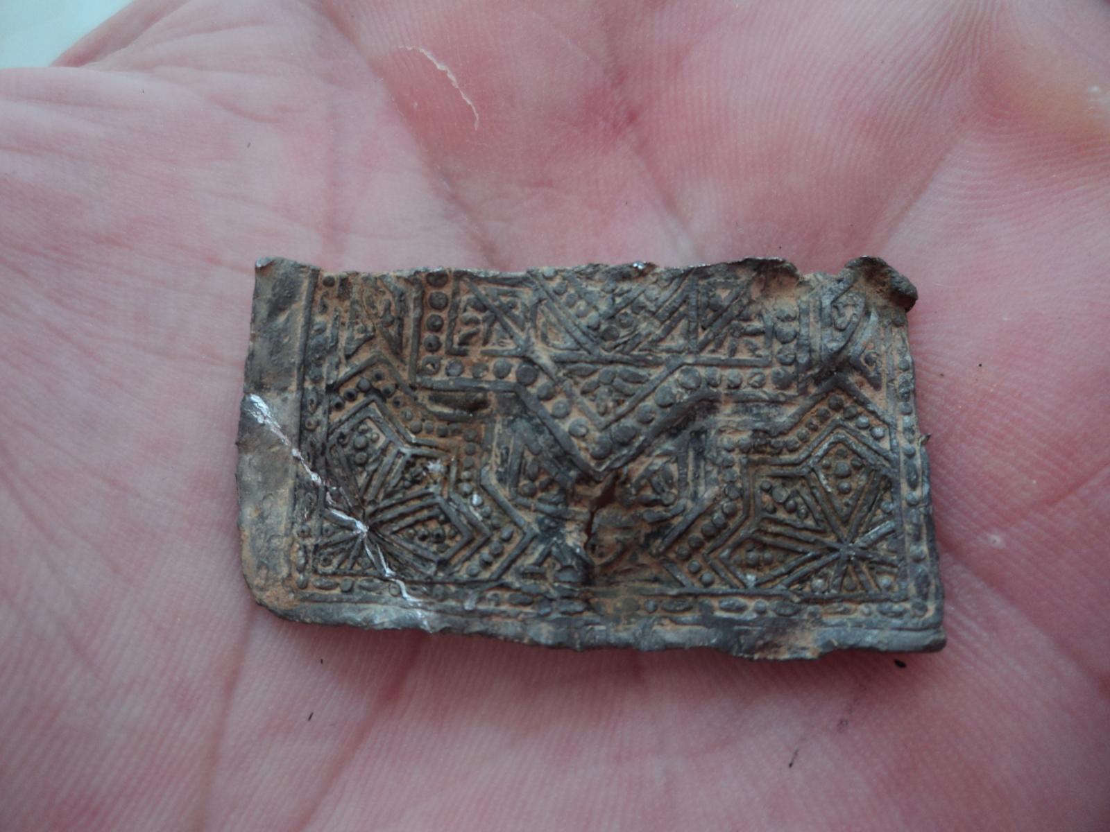 ¿Plaqueta de amuleto árabe o moderno? T63xat
