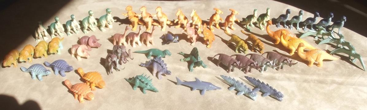 """cerco figure plastica/gomma di """"animali preistorici"""" e """"animals of the world"""" PANINI, anni 90 Tamopd"""