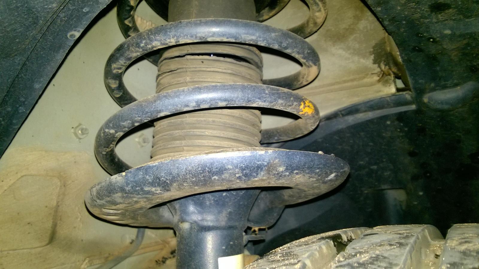 Tropicalização da suspensão dura do Nissan Sentra B16 (antigo Sentra) Zvt0lg