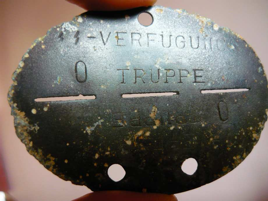plaques matricules de la Waffen ss  15fqg43