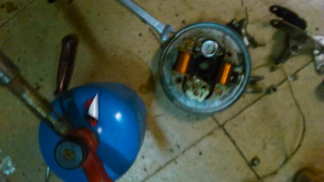 Reparación para restauración en Mobylette AV-88 (Rodamientos, retenes, cilindro...) 15xrazk
