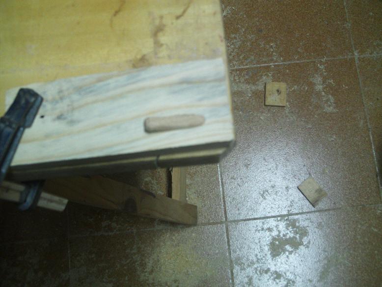 Una mesa plegable para la caseta de mi hijo... y una pequeña historia. 21ecaap