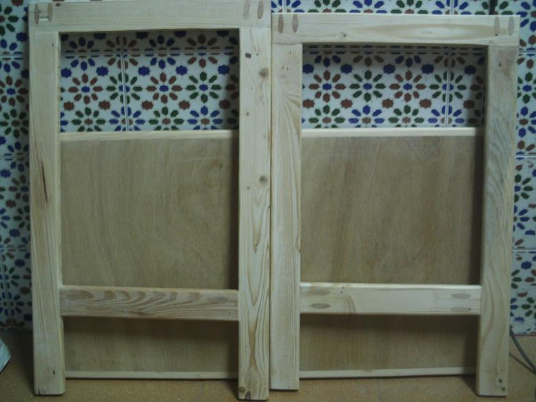 Una mesa plegable para la caseta de mi hijo... y una pequeña historia. 2ai07lz